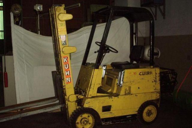 Front Forklift CLARK C 30 1987