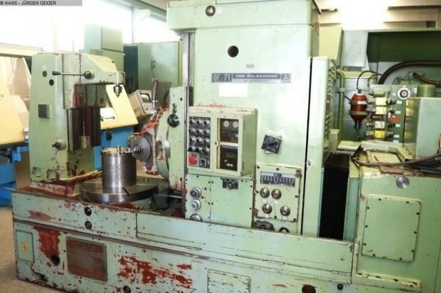 Gear Hobbing Machine TOS OF 71 1977