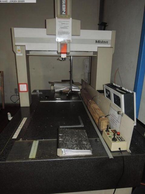 Messmaschine MITUTOYO KN-815 W 1996