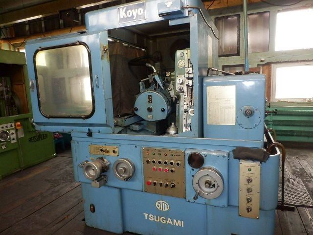 Rectifieuse dengrenages KOYO-TSUGAMI T-GG 300-2 1981