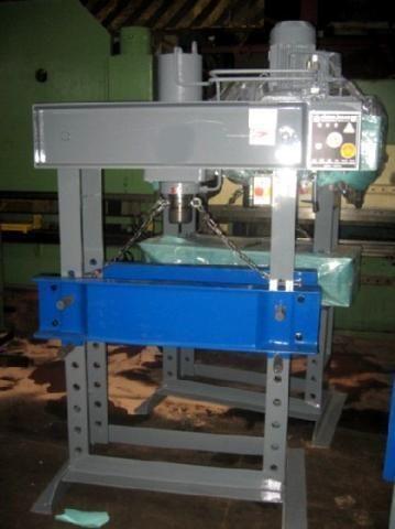 H Frame Hydraulic Press HIDROLIKSAN MODEL 60 1992