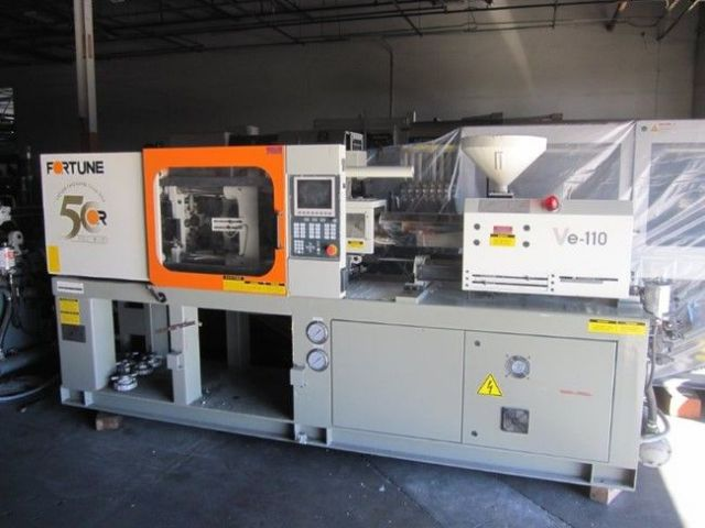Plastics Injection Molding Machine FORTUNE VE-100 2004