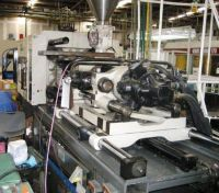 Plastics Injection Molding Machine CINCINNATI VT 300-21 1995-Photo 4
