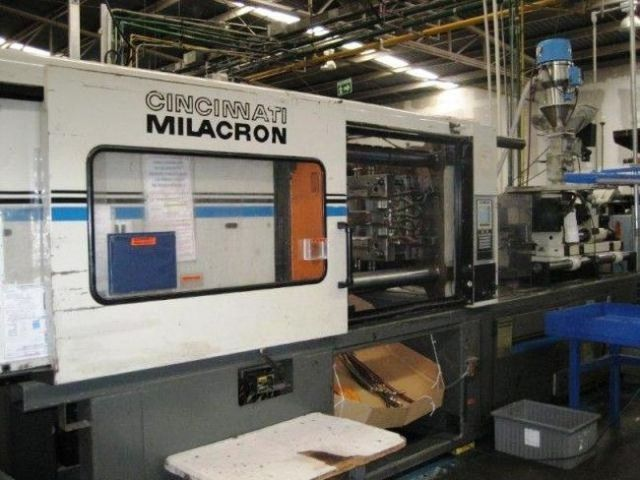 Plastics Injection Molding Machine CINCINNATI VT 300-21 1995