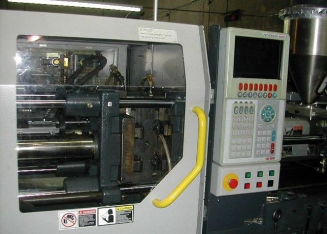 Plastics Injection Molding Machine VAN DORN CADENCE 40/12.6-120 1995