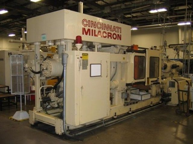 Plastics Injection Molding Machine CINCINNATI H 500-70 1989