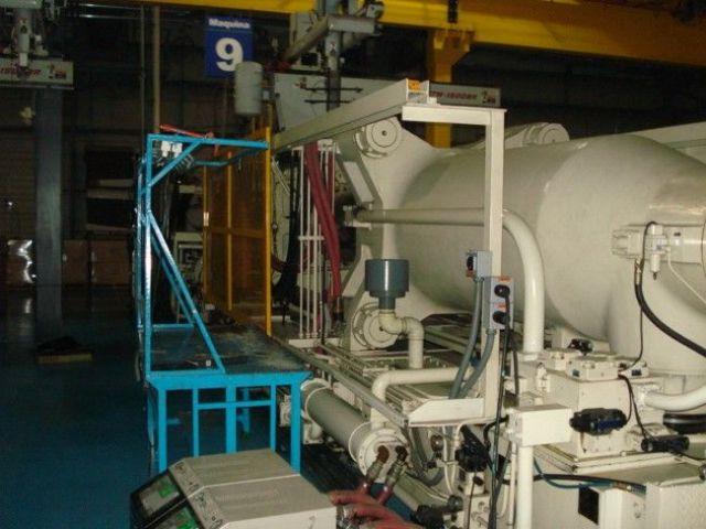 Plastics Injection Molding Machine GOLDSTAR IDE 850 EN 1998