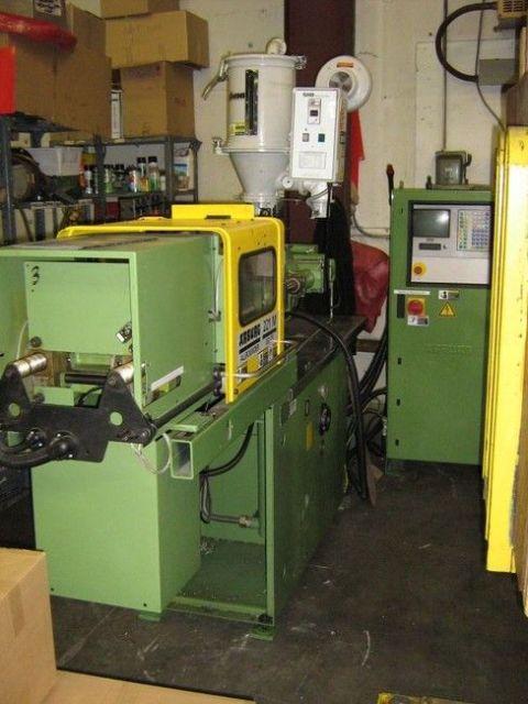 Plastics Injection Molding Machine ARBURG 221 M-350-275 1997