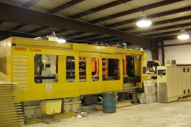 Plastics Injection Molding Machine HUSKY TANDEM 750 TX 100/85 1994