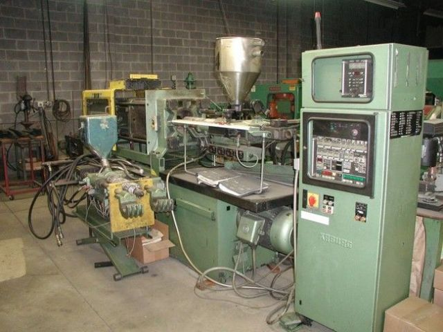 Plastics Injection Molding Machine ARBURG 2-COLOR 1984