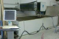 Machine de découpe  jet d'eau 2D FLOW 6 X 12 HYPERJET