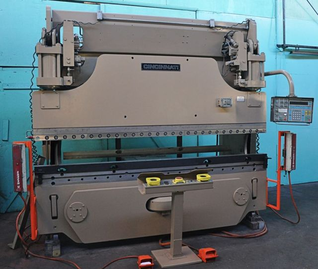 Hydraulic Press Brake CINCINNATI 135FM II 1989