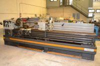 Universal Lathe QUANTUM D560x3000