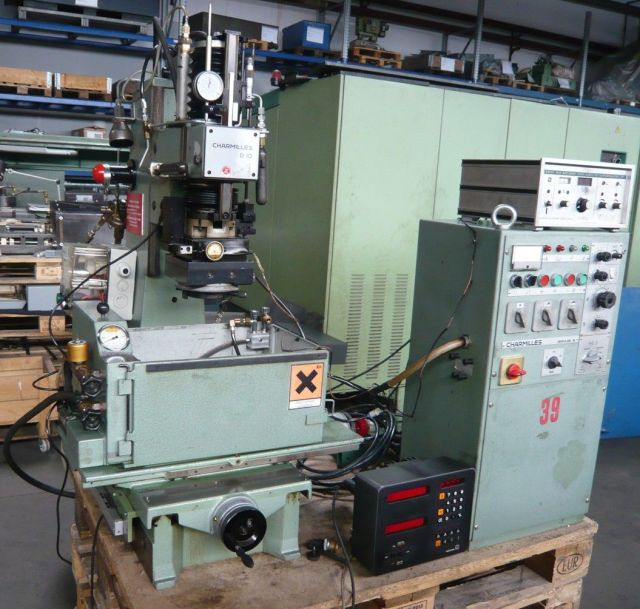 Sinker Electrical Discharge Machine CHARMILLES D10 Typ P12 1980
