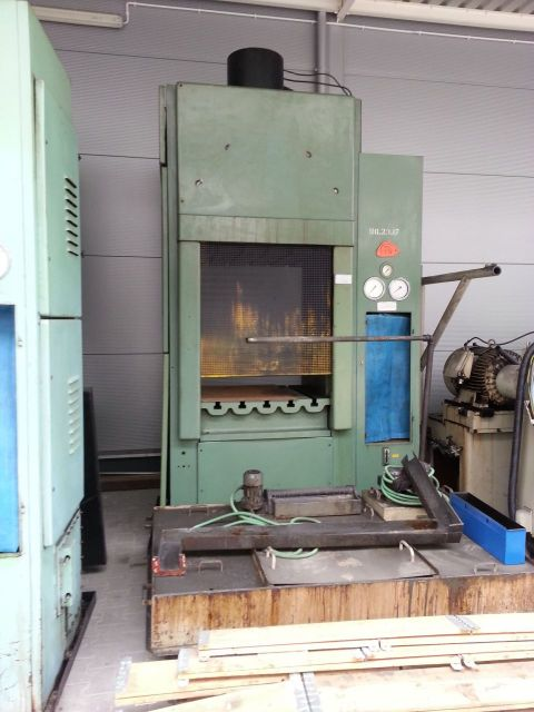 H Frame Hydraulic Press PONAR ŻYWIEC PHM 250 1990