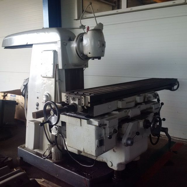 Universal Milling Machine TOS FA5 1970