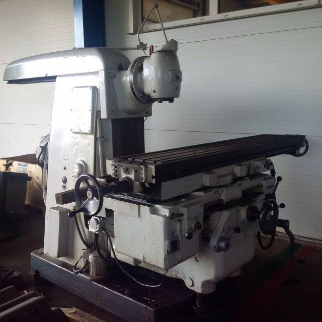 Universal-Fräsmaschine TOS FA5 1970