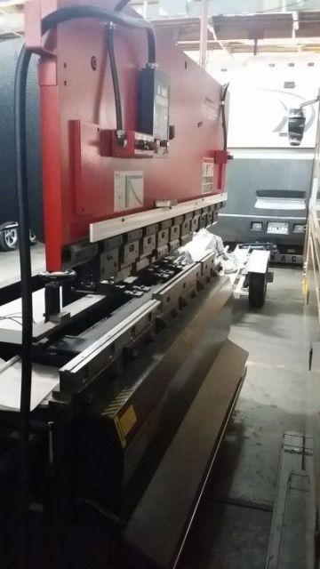 Prensa plegadora hidráulica CNC AMADA RG-8024LD 1999