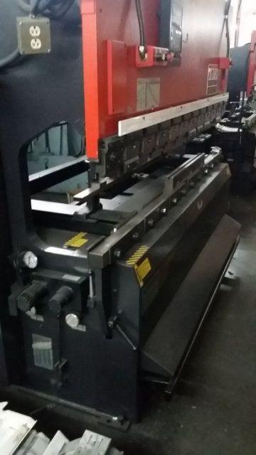 CNC kantpress AMADA RG-8024LD 1999