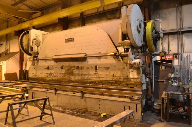Mechanické ohraňovacie lis CINCINNATI 20 x 750 ton (owner/seller) 1946