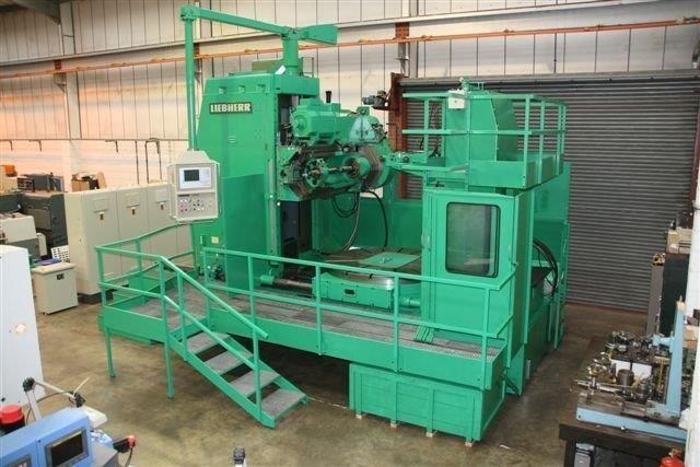 Gear Hobbing Machine LIEBHER L 3002 Universal 1982
