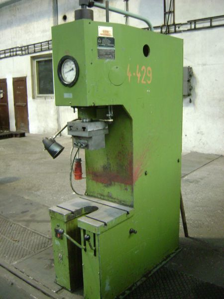 C Frame Hydraulic Press Stanko P6320 1980