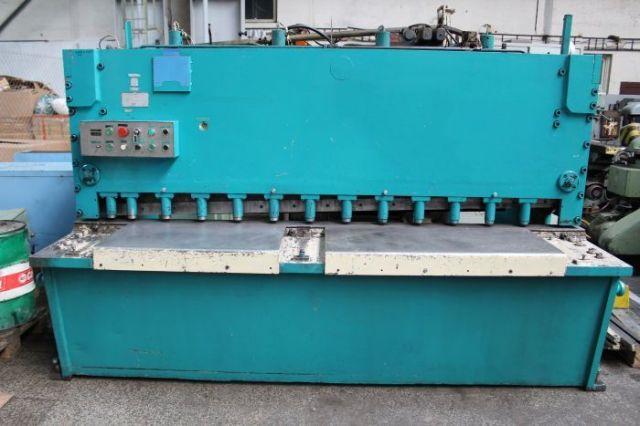 Nożyce gilotynowe hydrauliczne Masinexport FG 825 1985