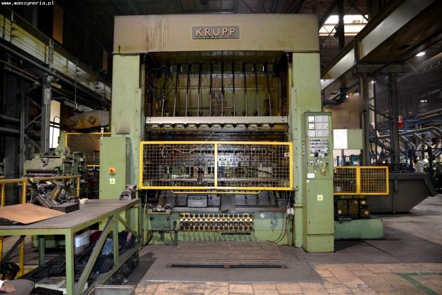 H Frame Hydraulic Press KRUPP PST-A 160 1980
