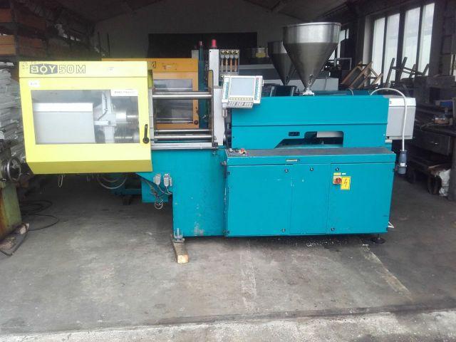 Plastics Injection Molding Machine BOY 50 M 2001