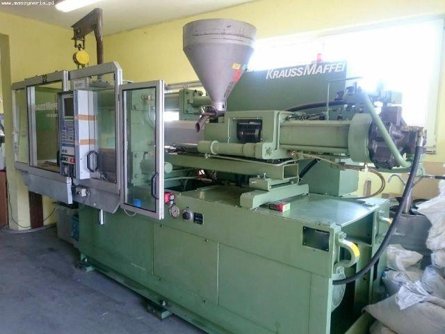Plastics Injection Molding Machine KRAUSS MAFFEI KM 110-520 C1 1997