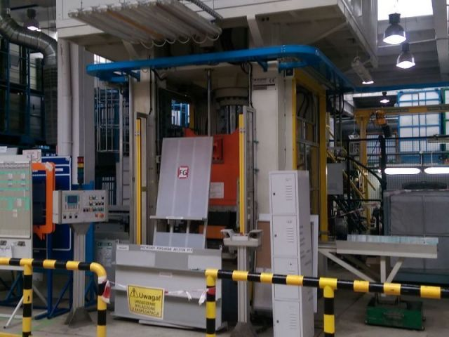 Horizontal Hydraulic Press QS 150 150 2009