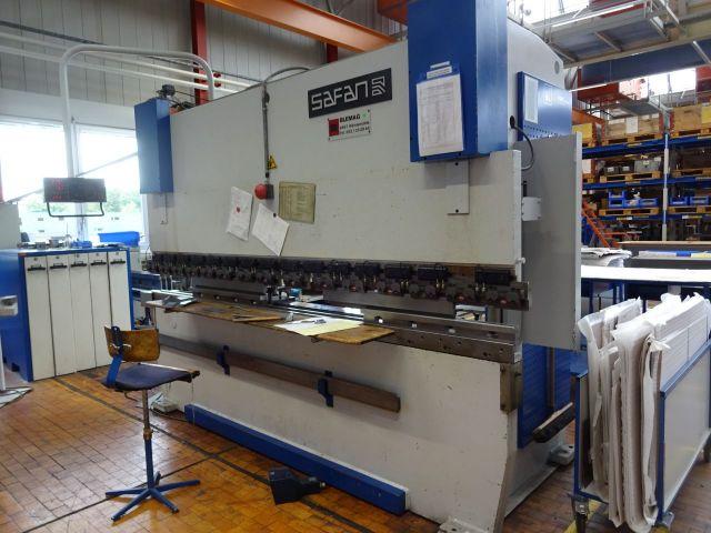 Horizontal Hydraulic Press Safan CNCS 110 - 3100 1989