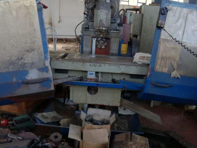 Vertical Milling Machine STROJTOS FGS 40 CNC 1998