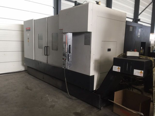CNC Vertical Machining Center MAZAK VTC 300 C-II 2005