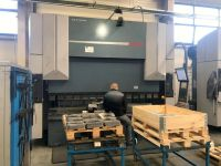 CNC hydraulický ohraňovací lis DURMA AD-S 30320