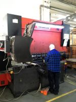 Prensa plegadora hidráulica CNC AMADA HFB 8025