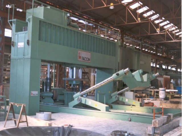 Horizontal Hydraulic Press FACCIN PPM 800 / + MA 120 1999