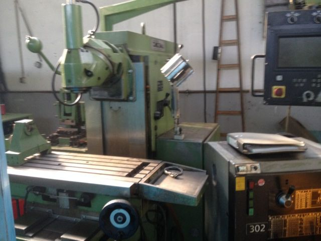 Vertical Milling Machine CME FU 2 CC 1994