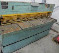 Cisaille guillotine hydraulique Stanko HA3316T