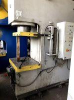 Prasa hydrauliczna wysięgowa ERFURT PYE 250 SS
