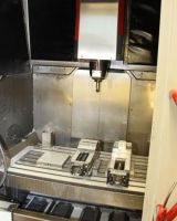CNC Vertical Machining Center HERMLE C 800 V 1997-Photo 2