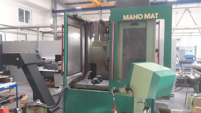 Centre dusinage vertical CNC DMG MAHO MAHOMAT 1997