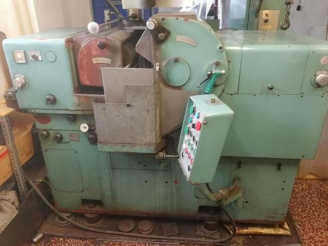 Universal Grinding Machine TOS Holice BB 10 1973