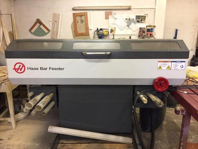 Automatische CNC draaibank HAAS BAR FEEDER 2015