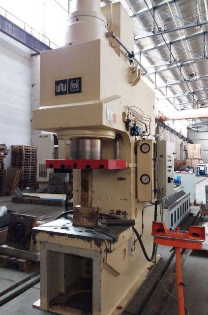 C Frame Hydraulic Press ZEULENRODA PYE 250 SSM 2005
