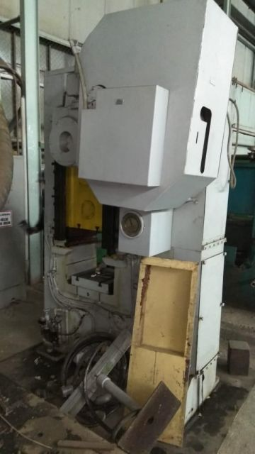Knuckle Joint Press BARNAUL KB8334 250T 1989
