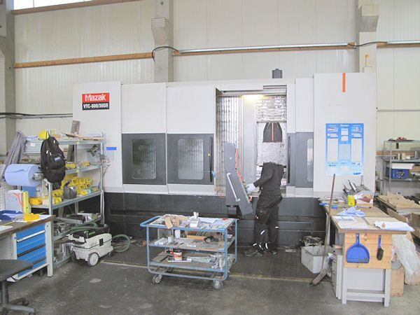 CNC Vertical Machining Center MAZAK VTC 800-30-SR-3000-4 Axis 2009
