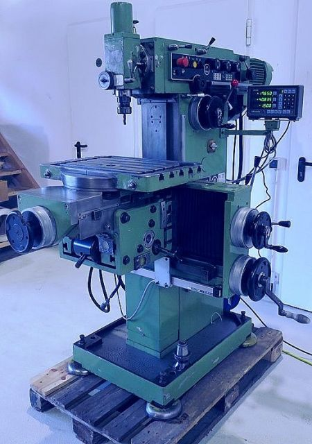Toolroom Milling Machine MAHO MH  600 1972