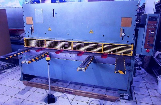 Hydraulische guillotineschaar KRAMER TM  II  hy 2000 1987
