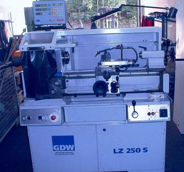 Tornio universale WEILER / GDW LZ  250  S 2008